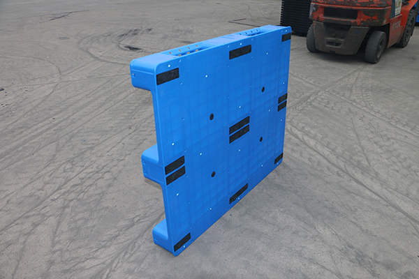 How to reduce the damage rate of plastic pallets?